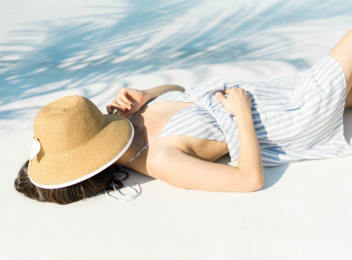 wholesale straw hats beach woman fashion-blogger-kimberly-kong-dynamic-asia-wholesale-sun-hats