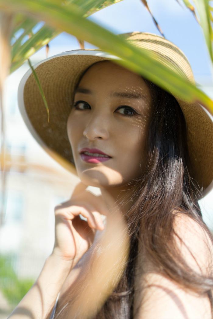 wholesale womens hats kimberly-kong-fashion-blogger-dynamic-asia-hat
